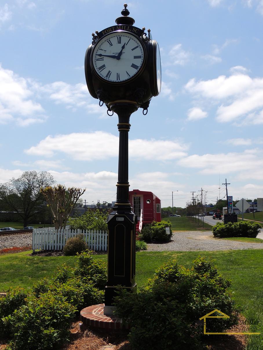 fort-mill-clock
