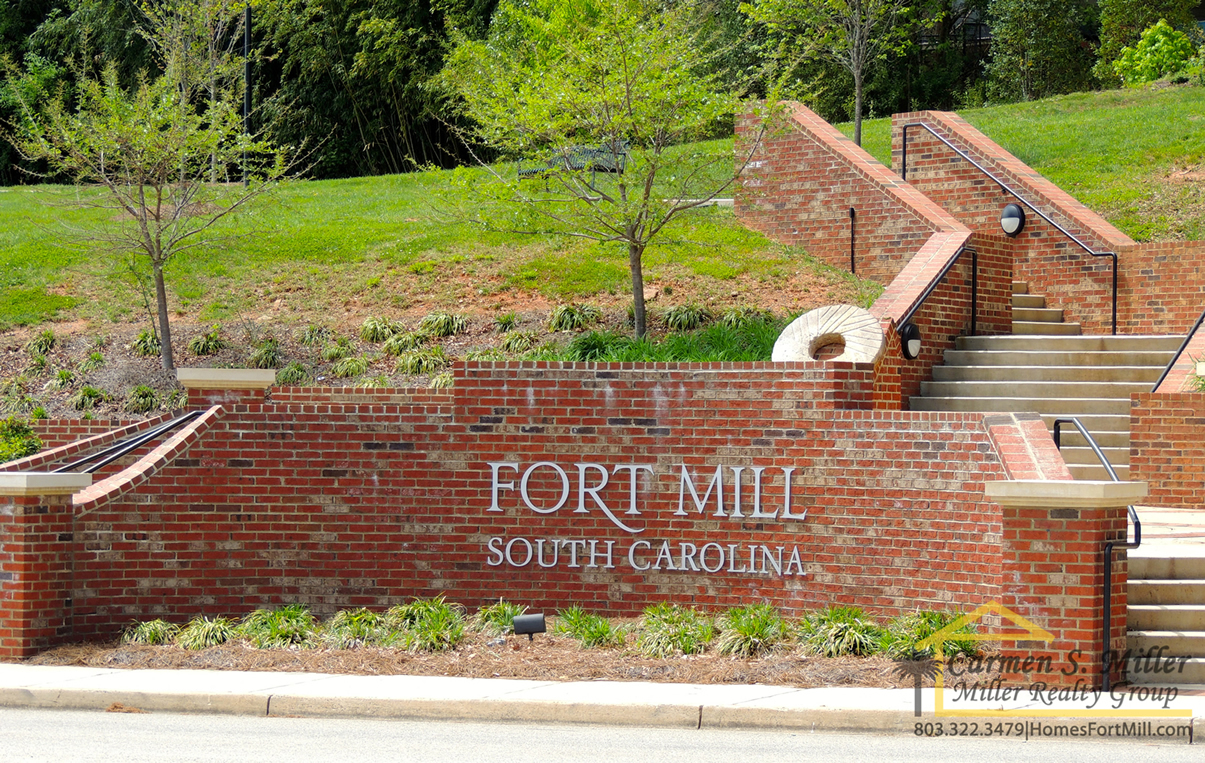 fort-mill-enttrance-sign